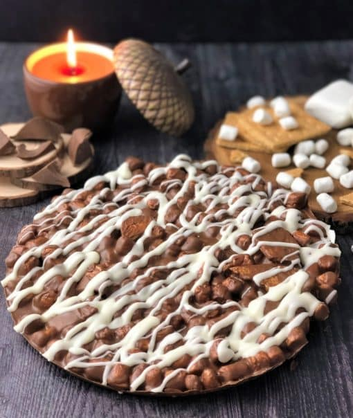 campfire chocolate pizza with marshmallows graham crackers