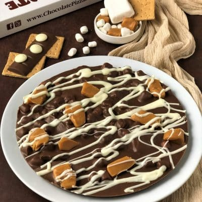 chocolate pizza with caramel marshmallows graham crackers