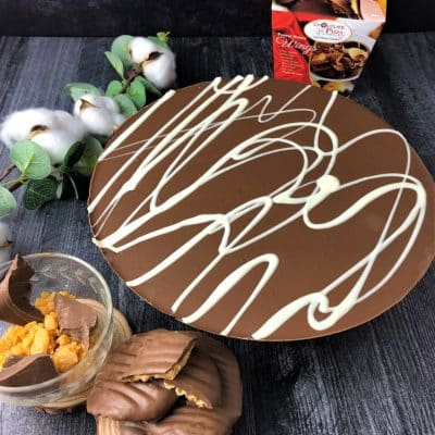 combo plain chocolate pizza and peanut butter wings