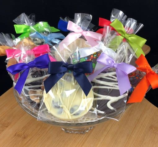 Favors - mini chocolate pizzas with bows multi colors