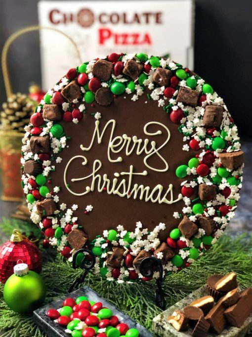 holiday wreath chocolate pizza
