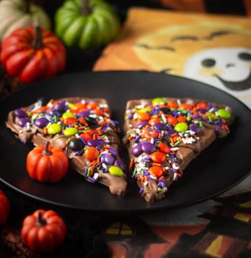 spooky-licious chocolate pizza slices