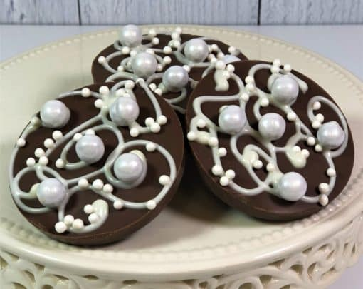 wedding favors chocolate with sugar pearls