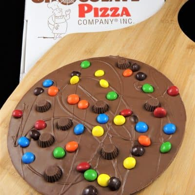 peanut butter cups chocolate pizza