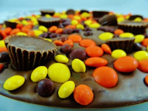 peanut butter blast chocolate pizza