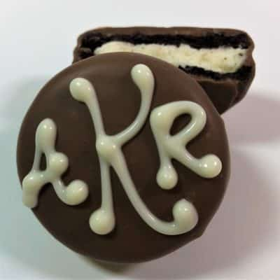 monogrammed cookie wedding favor