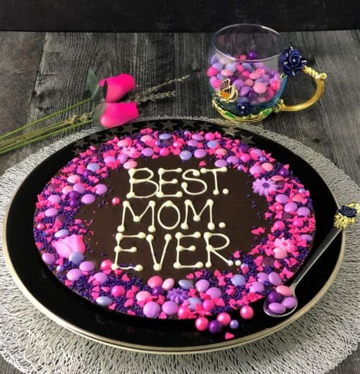 dark chocolate pizza says best mom ever