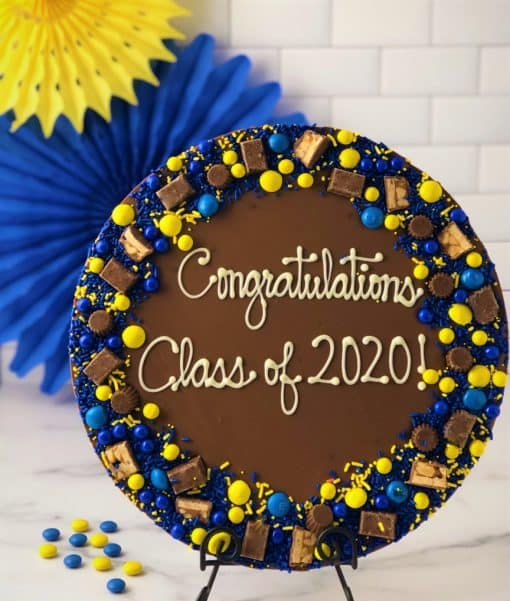 build your own graduation chocolate pizza
