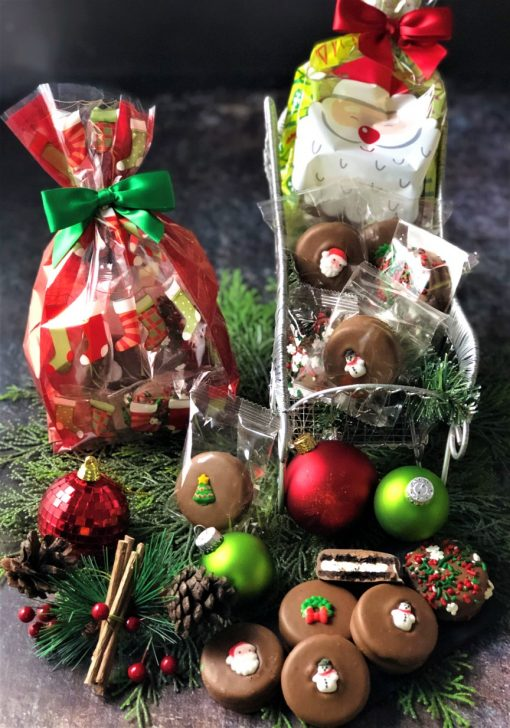 6 decorated Christmas cookies in cellophane bag